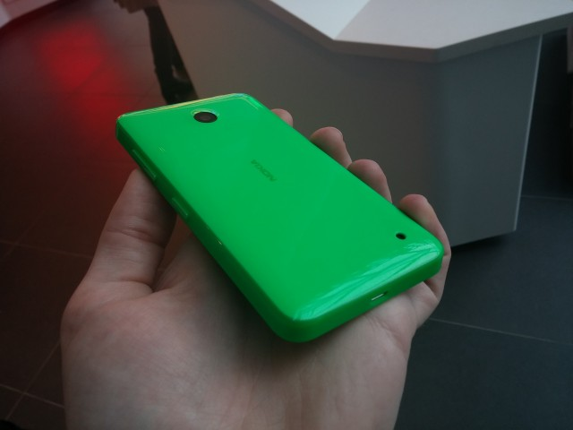 Nokia_Lumia_635_rear