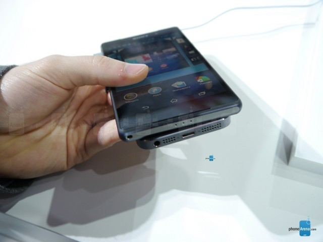 Z2-vs-iphone-5s-6