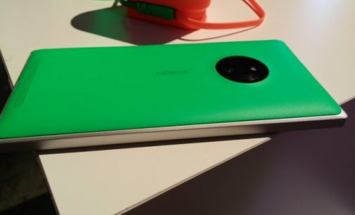 Nokia Lumia 820 vs Nokia Lumia 830