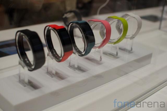 Sony-Smartband-Talk-6