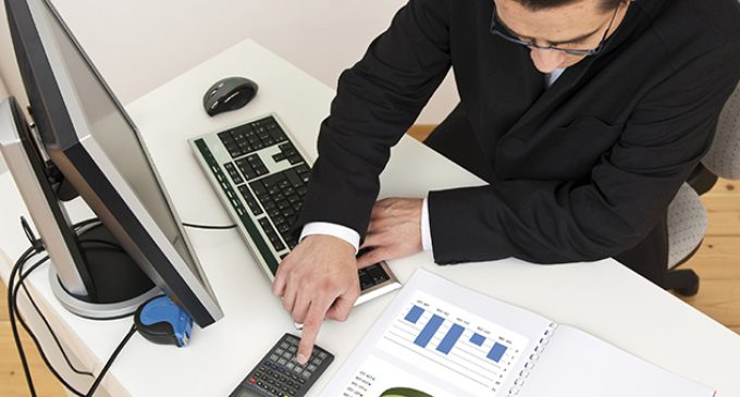 What Can You Earn if you Study to be an IT Business Manager?