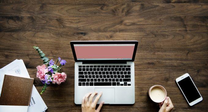 Using Internet Technology as a Platform for a Profitable Side Hustle